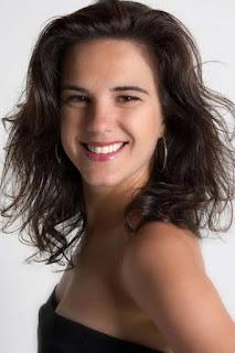 Elisa Queirós em única apresentação no Aqua Bossa Lounge