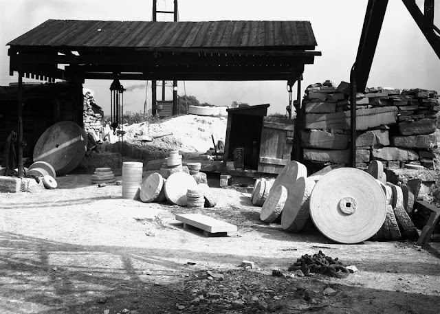 Messrs. Armitage's Quarry, Normanton. Looking NE. Middle Coal Measures. Grindstone constructed from Woolley Edge Rock.