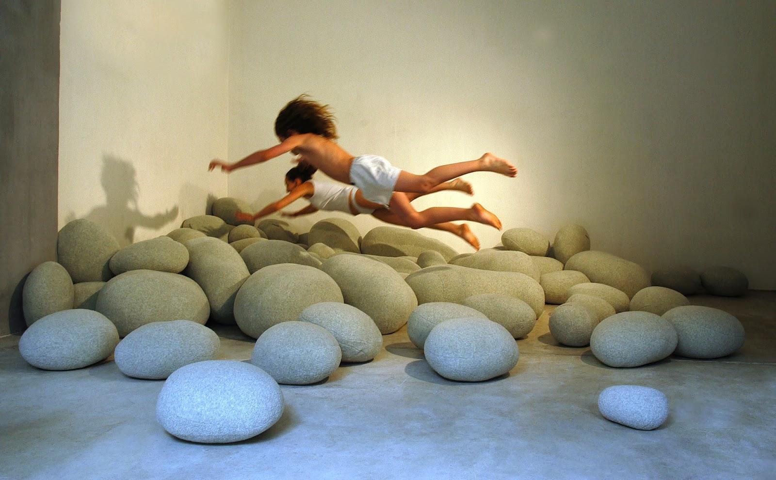 Cojines y sofas piedra4