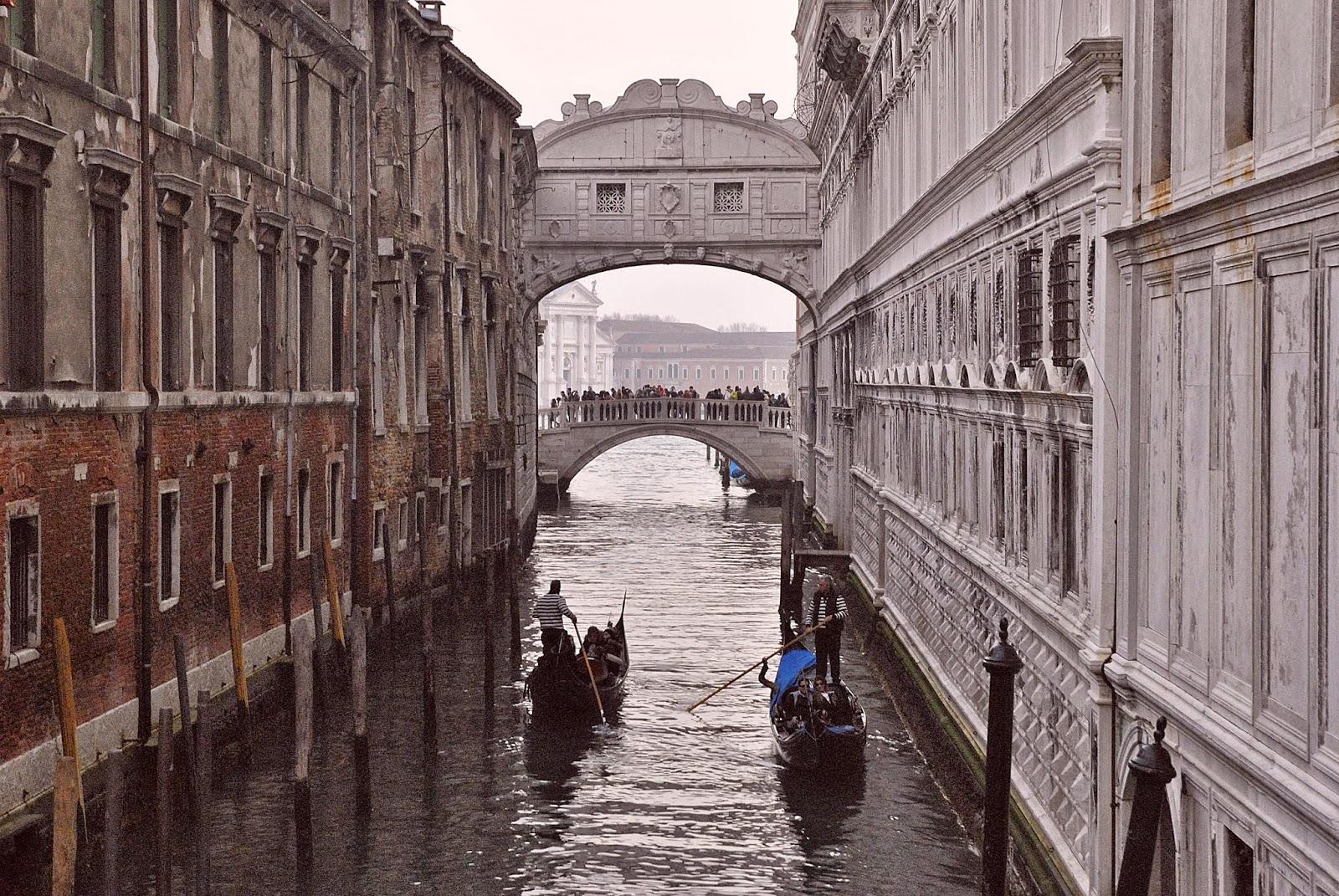 I 10 luoghi pi romantici di venezia romantico weekend for Disegni di ponte a 2 livelli