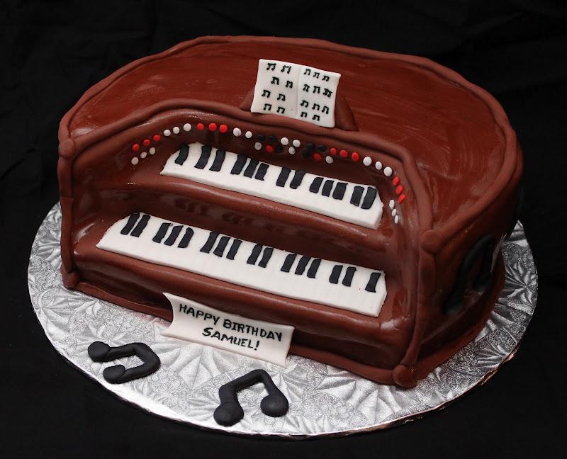 Love Dem Goodies: Organ Piano Cake