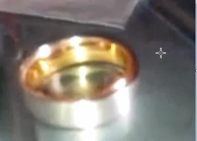 cincin kawin emas lebih ideal daripada titanium