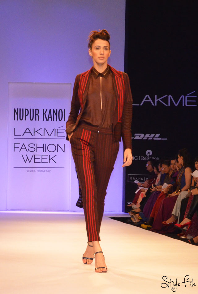 lakme fashion week nupur kanoi red brown stripes pant suit