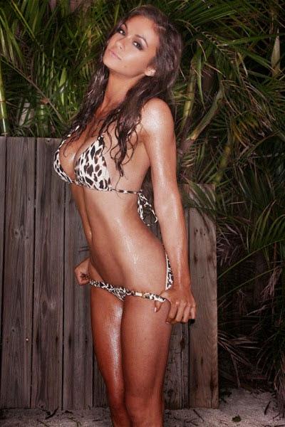 Ashley Ann vickers desnuda