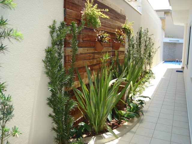 jardim vertical em muro:Construindo nosso Castelo: Corredor Lateral externo.
