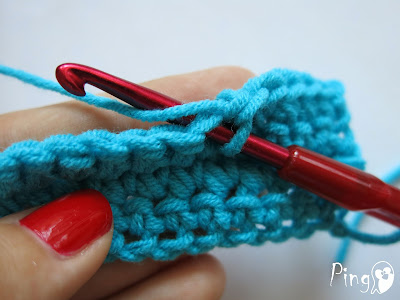 Changing Yarn in Single Crochet - step by step instruction by Pingo - The Pink Penguin