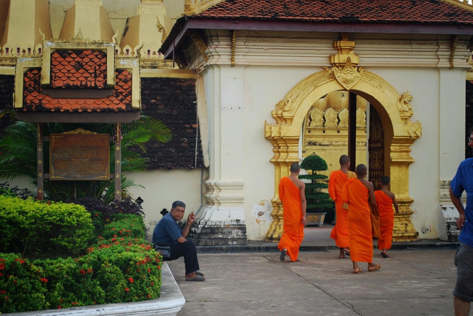 Pha-That-Luang-vientiene-laos-temple