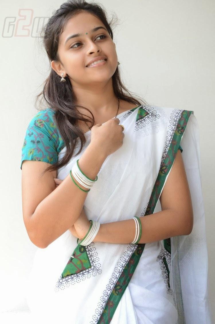 Sri Divya In Half Saree Sri Divya Hd Stills Sri Divya ...