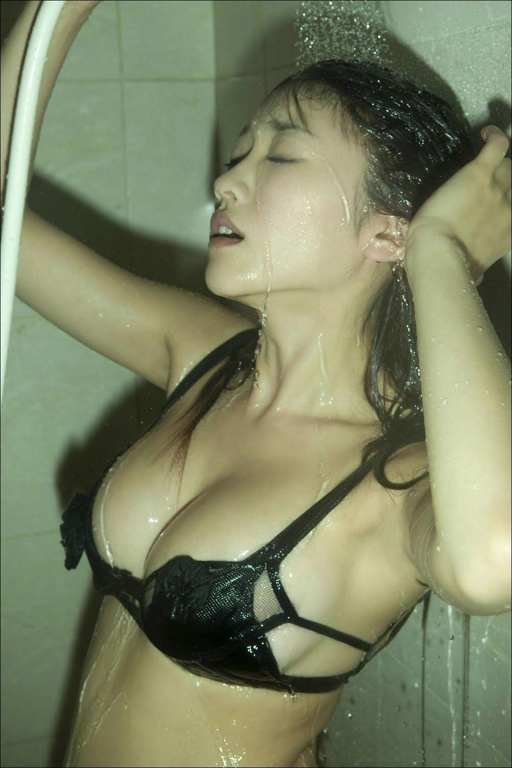 http://3.bp.blogspot.com/-XCKE97N_018/Ths7AmZZQGI/AAAAAAAAAgM/-QF2gdFxjUk/s1600/ShowerPan1.jpg