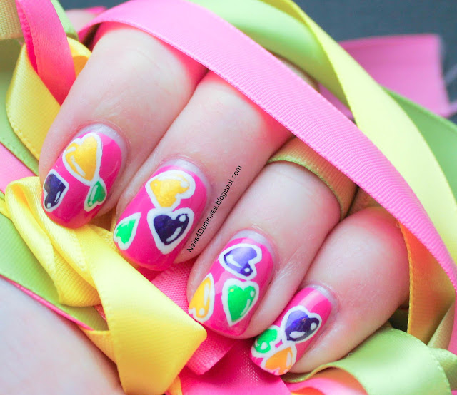 Nails4Dummies - Random Hearts Mani