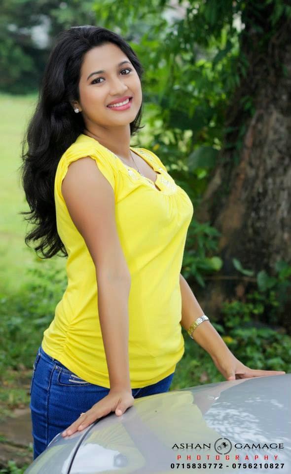 Thisuri yuwanika yellow