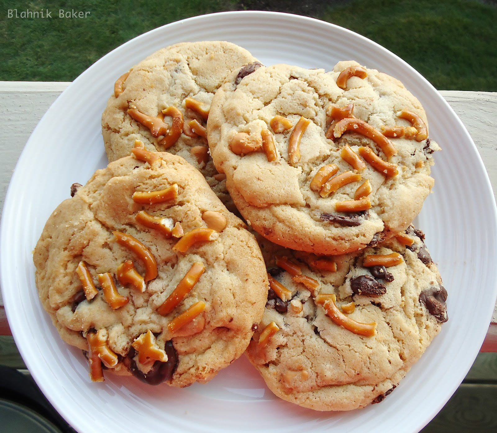 Butterscotch Chocolate Chip Cookies with Pretzels {August Bakin ...