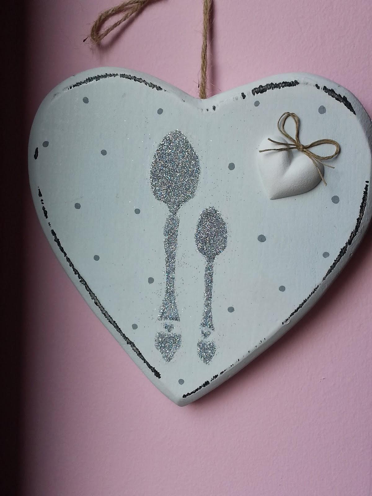 Twinkle love per la cucina cuore di legno bianco decorato - La cucina del cuore ...