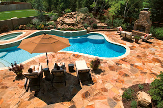 midwest-custom-pool-custom-concrete-pool-lawrence-pool-builder
