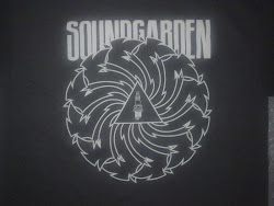 Soundgarden shirt ( NEW+ORI)(SOLD)