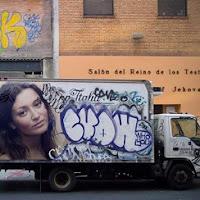 Coloque sua foto em uma lateral de um caminhão