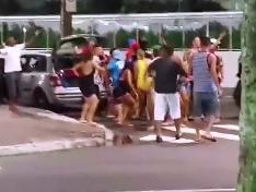 Asesina a un Chico en Celebracion