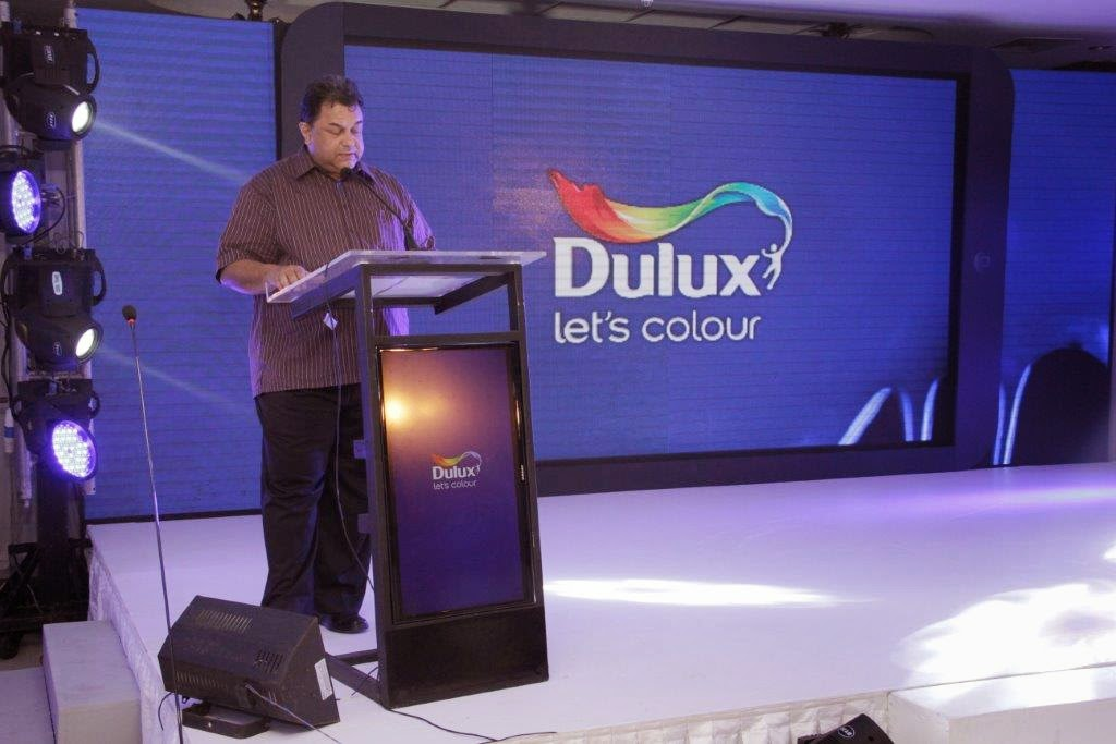 Gerald de Saram, Managing Director at Akzo Nobel Paints Lanka addresses the audience at the Visualiser App launch