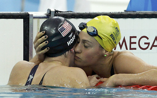 natadadores dando afecto