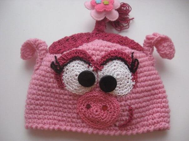 gorro crochet con carita de cerdo en tono rosa divertido con patron