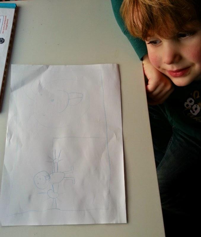 Druk bezig een ontwerp te tekenen