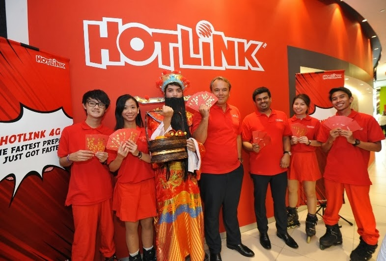 Giveaway Hotlink 4G Da Mouth DJ Tenashar Live Concert VIP Tickets, hotlink 4G, da mouth, tenashar, leng yein, misty, fastest mobile internet, 4g network, live concert, hotlink 4G, god of prosperity, roller bladers, maxis 4G network, Morten Lundal, Maxis Chief Executive Officer