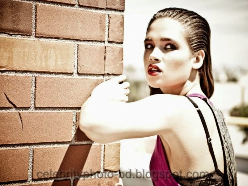 Actress+Nicole+Gale+Anderson+Hot+Photos004