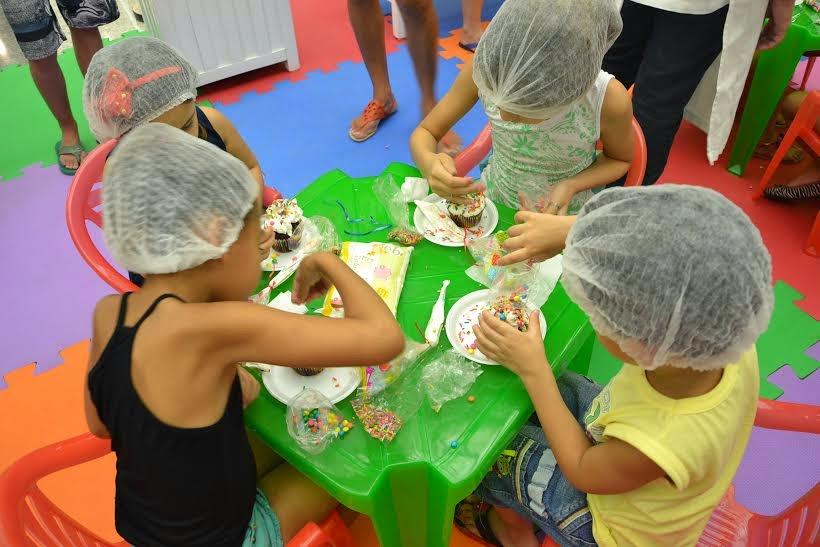 Passeio Shopping promove oficinas de culinária para a criançada em comemoração a Páscoa