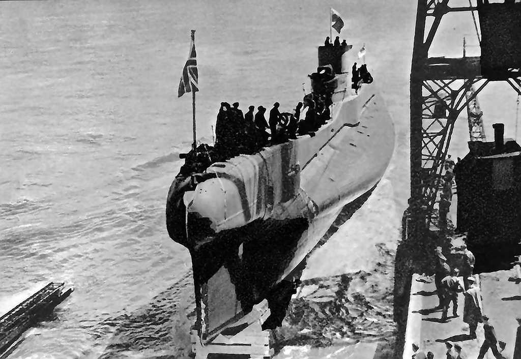 hms thetis submarine disaster A memorial honouring 99 people who died when a submarine sank 75 years ago has been unveiled in merseyside hms thetis set sail from wirral on 1 june 1939 for sea trials but sank due to a torpedo.