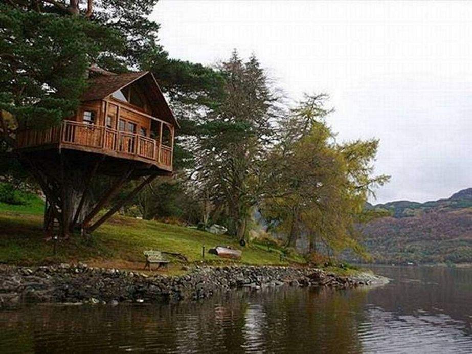 contoh rumah di pohon pinggir sungai idaman