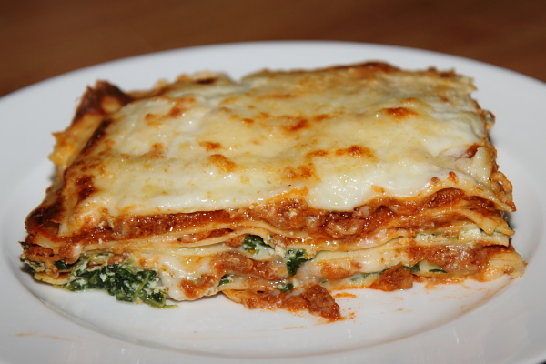 Lasagne bolognese kicsi spenóttal