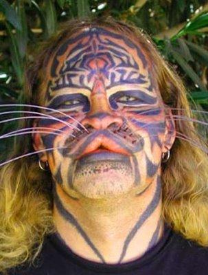 http://3.bp.blogspot.com/-XFCLHpKTmOc/TcLoY1tHdBI/AAAAAAAABdM/K-WCnVFlIl0/s1600/catmanDennis%2BAvner.jpg