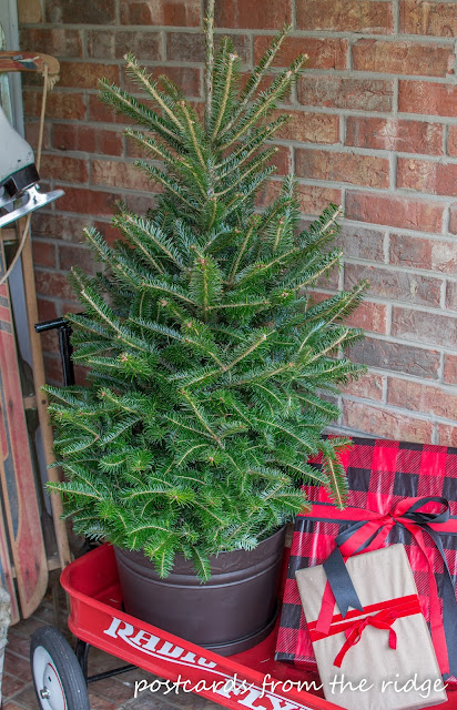 Ideas for Decorating Your Front Porch for Christmas