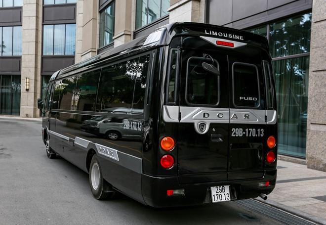 Limousine Bus 29 seats
