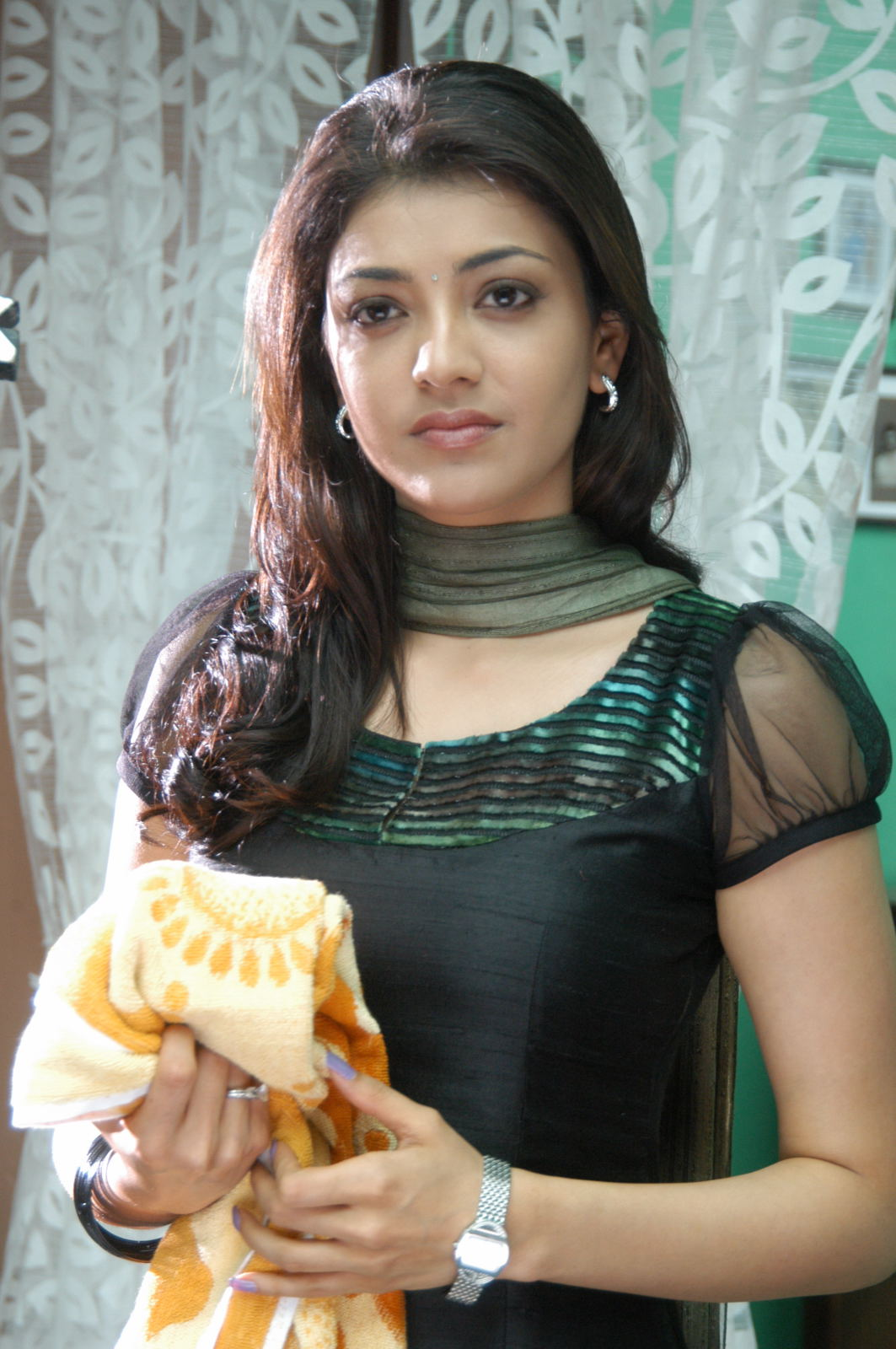 sun shines actress kajal agarwal cute stills