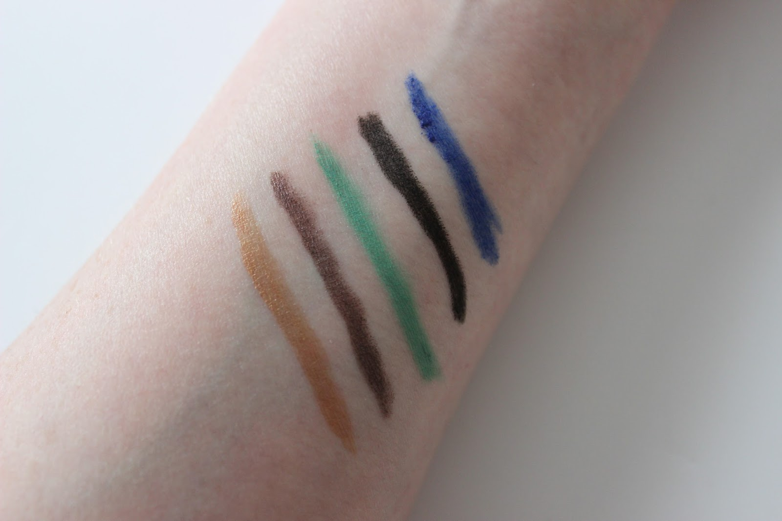 Bourjois contour clubbing waterproof eye liner swatches