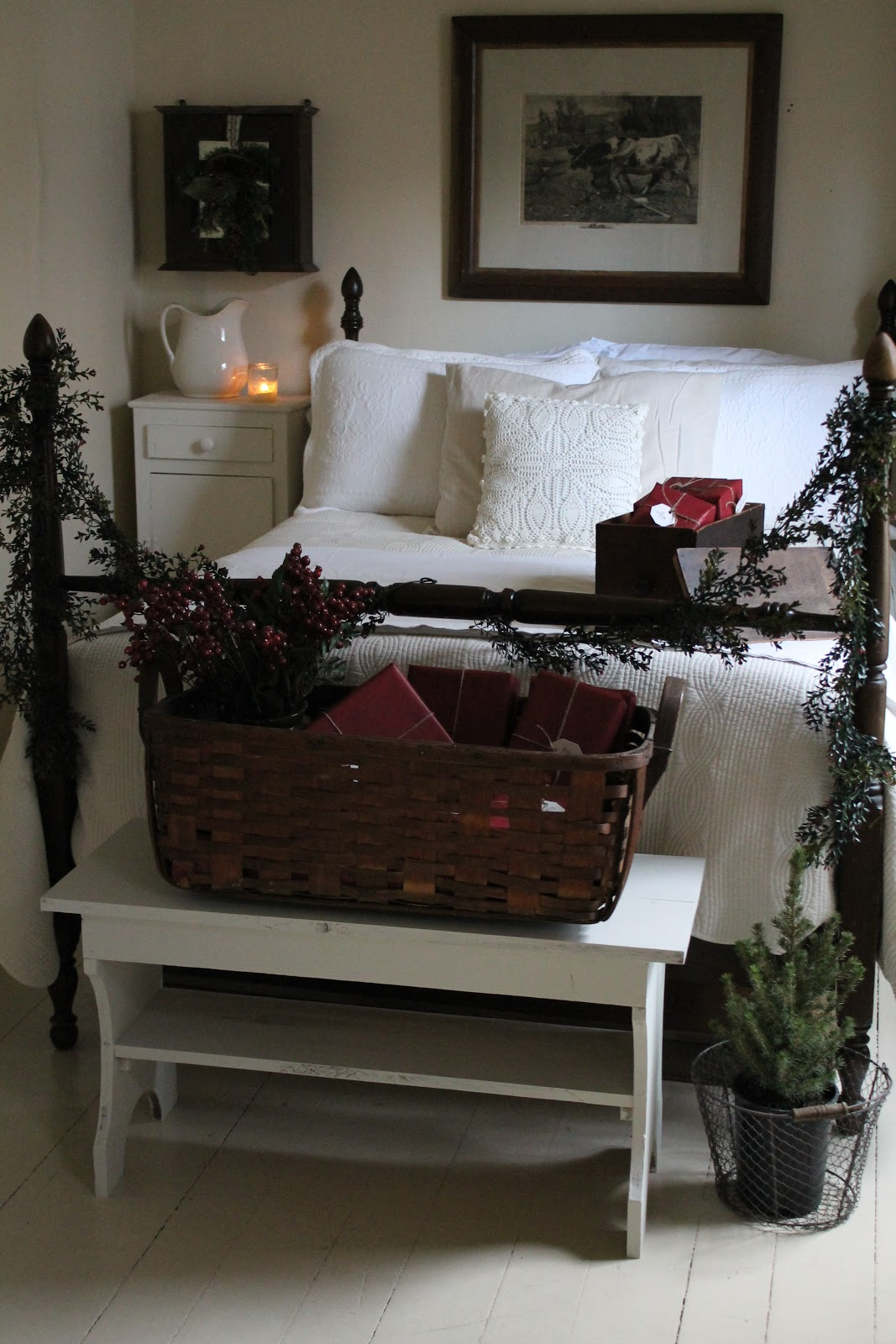 Farmhouse 5540 christmas guest bedroom for Farmhouse guest bedroom