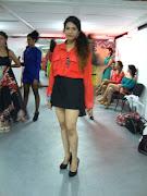 A: Quise tener un look relacionado con mi colección por eso hice esta falda . dsc