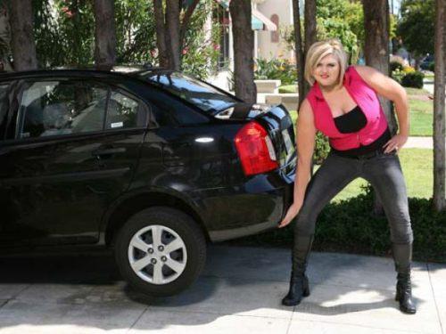huge girl 5 ΔΕΙΤΕ: Η ψηλότερη και δυνατότερη ξανθιά στον κόσμο!!!