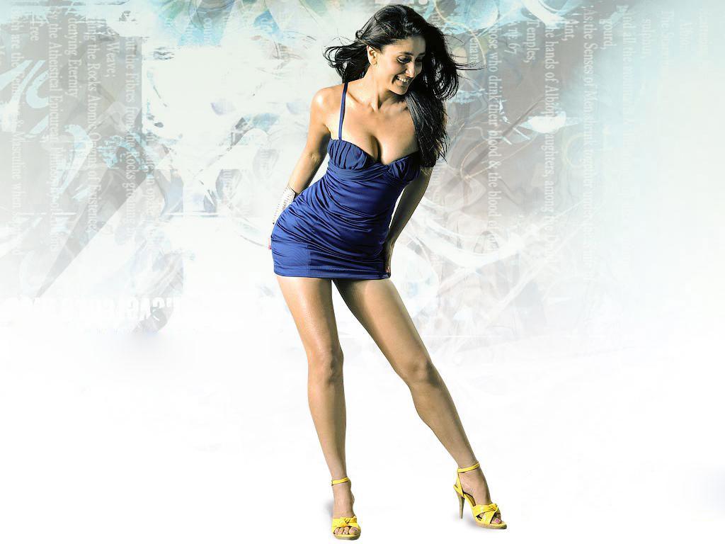 Sexy legs of kareena kapoor