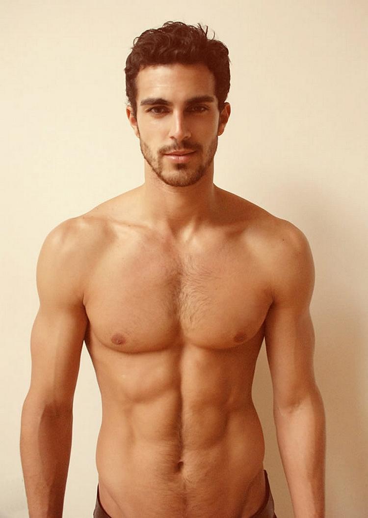 Сексуальние парни без одежды 5 фотография