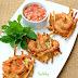 Bánh tôm Hồ Tây món ăn rất nổi tiếng của Hà Nội