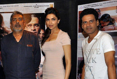 Amitabh & Deepika Promote Aarakshan gallery