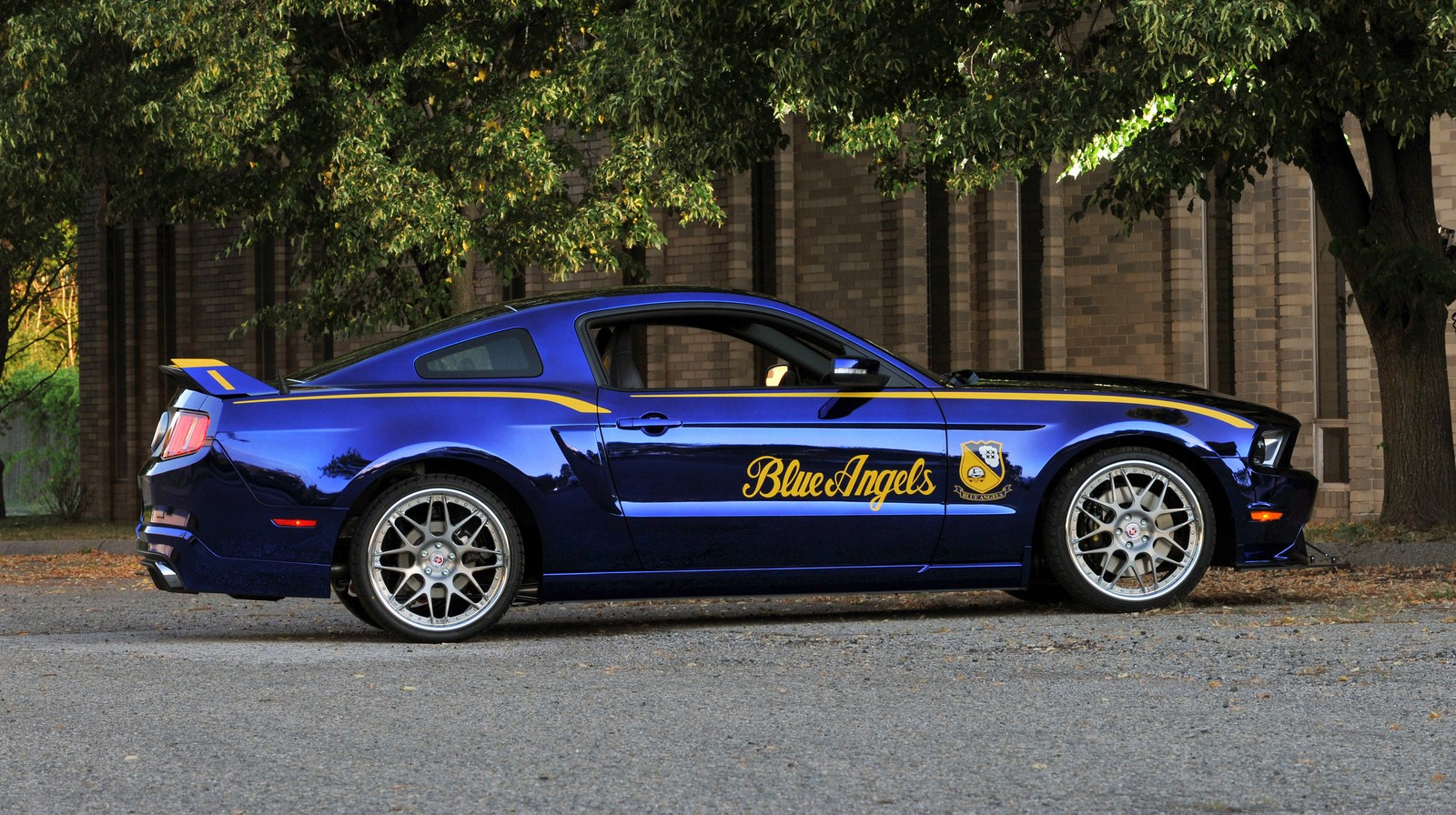 blue angels edition 2012 ford mustang gt garage car. Black Bedroom Furniture Sets. Home Design Ideas
