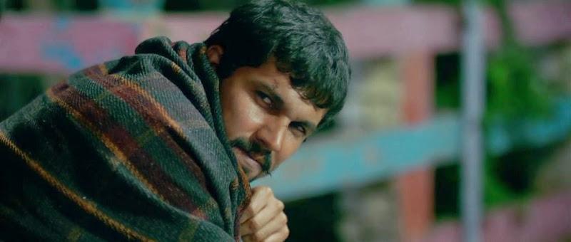 Screenshots of Highway (2014) Hindi Movie Download at moviesmella.com