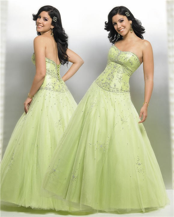 Stunning Green Wedding Dress 579 x 720 · 59 kB · jpeg