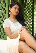 Yamini bhaskar glam pix-thumbnail-4