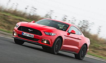 BMW M235i vs Ford Mustang – Comparison