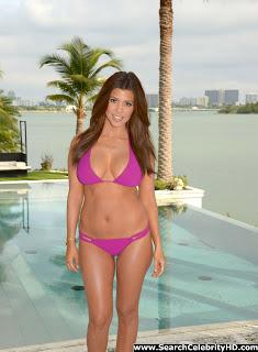 Fresh Celebrity Pics: Kourtney Kardashian Bikini Photoshoot