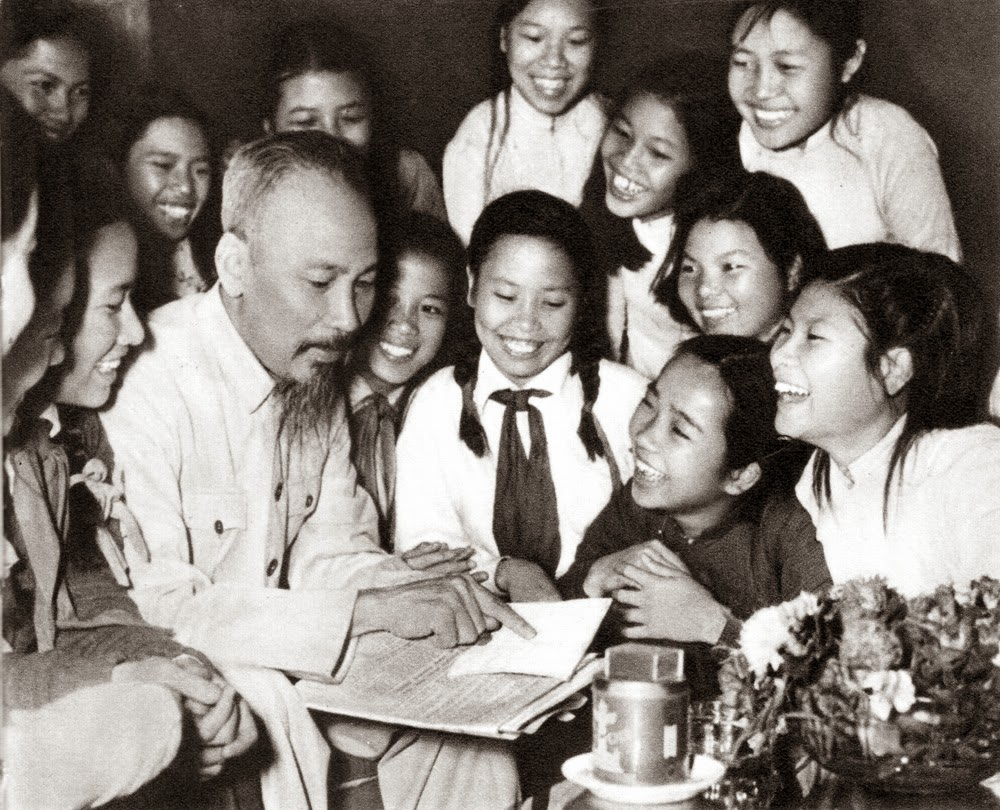 Hình Ảnh đẹp về bác Hồ Chí Minh